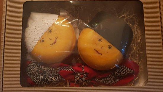 Geschenk met kaas Toerist boer en boerin - Kaascadeau - Kaasgeschenk - www.NoordHollandseBoerenkaas.nl
