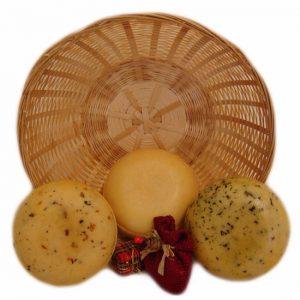 Kaasmandje drie in de mand - kaaskado bestellen - www.NoordHollandseBoerenKaas.nl