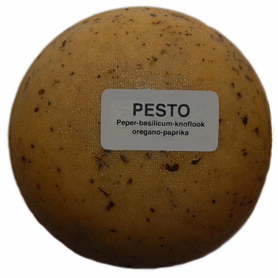 Klein kaasjes Pesto - boerenkaasje 400 gram - www.noordhollandseboerenkaas.nl