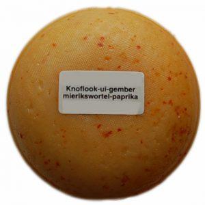 Klein kaasjes Ui-Knoflook - boerenkaasje 400 gram - www.NoordHollandseBoerenkaas.nl
